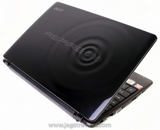 Review Acer Aspire One 722 Tetap Murah Dengan Layar