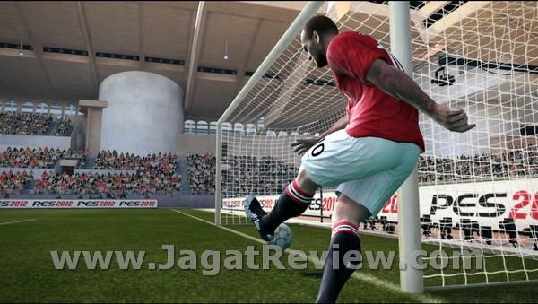 Review Pro Evolution Soccer 2012: Inovasi Gameplay yang Signifikan?
