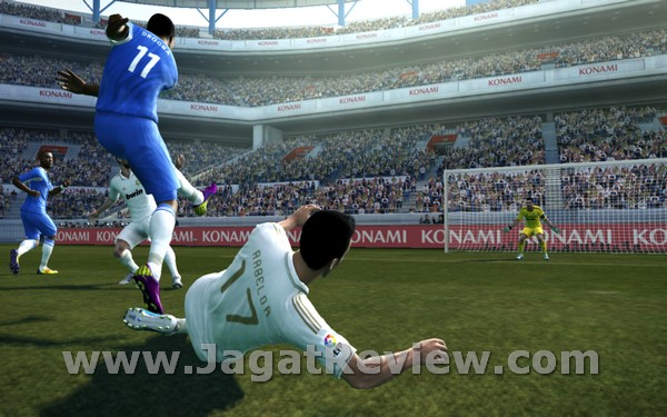 Review Pro Evolution Soccer 2012: Inovasi Gameplay yang Signifikan?