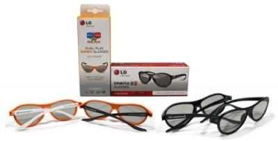 Kacamata Dual-Play (kiri) dijual secara terpisah, berbeda dengan kacamata 3D biasa (kanan).