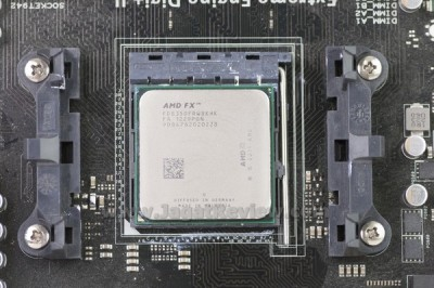 AMD_FX-8350_OnSocket2