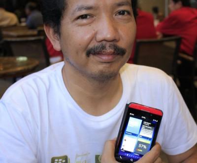 @IDberry atau Deddy Avianto, memaparkan pengalamannya menggunakan Blackberry Z10