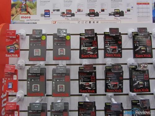 Jajaran produk SD Card. SanDisk membagi SD Card mereka ke beberapa tipe yang disesuaikan dengan kebutuhan pengguna.
