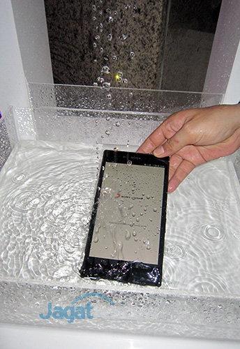 Sony Xperia Z Ultra - Under Water