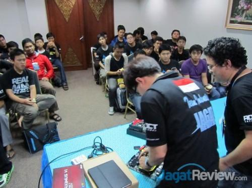 Workshop OC akan diberikan kepada peserta AOCT sebelum mereka mulai beradu kemampuan.