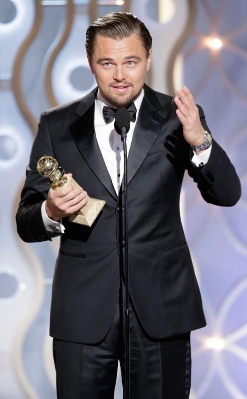 Leonardo DiCaprio akhirnya meraih penghargaan Golden Globe Award untuk yang kedua kalinya setelah mendapatkan penghargaan pertamanya ketika berperan di film The Aviator