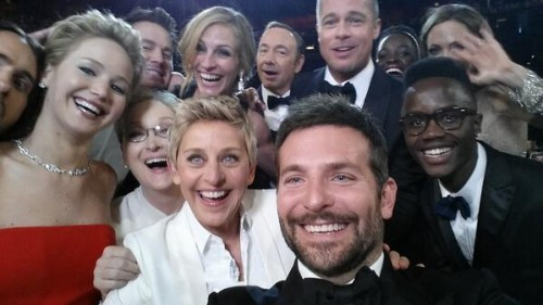 foto selfie milik Ellen yang telah di-RT sebanyak 3 juta kali