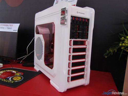 Thermaltake-Booth-Raid-Computex-2013-61-500x375