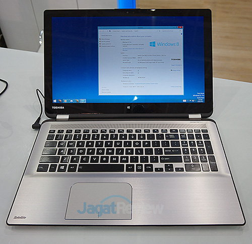 Intel Booth Raid - 2 in 1 Toshiba Satellite