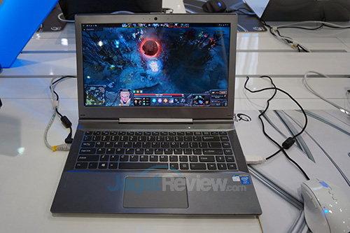 Intel Booth Raid - IRIS dengan DOTA2