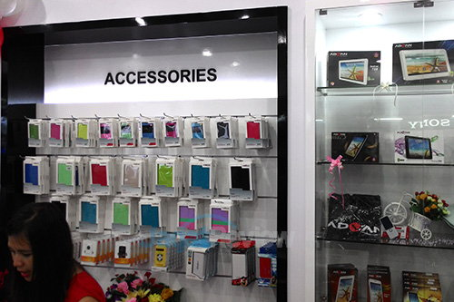 Advan Experience Store - Accessories Section