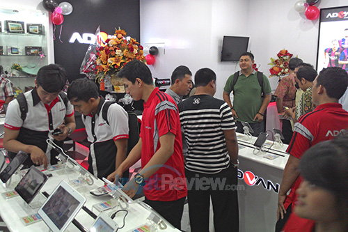 Advan Experience Store - Experience Section