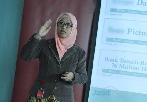Endang Rachmawati, Country Director, Avaya Indonesia