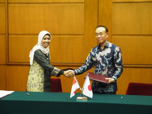 Tanizaki Ambassador & Ms Siti Nuraini T.