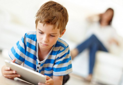 Make-Sure-Your-Kids-Protect-Their-Electronic-Devices-1079x750