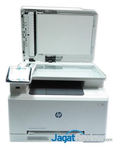 scanner flatbed dalam posisi terbuka