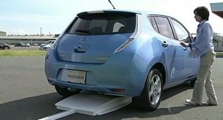 nissan-leaf-inductive-charging-demonstration_100372589_s