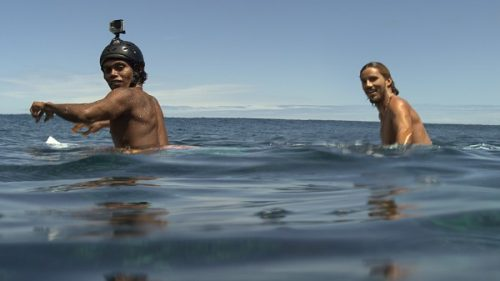 the-shallows-surfers-600x337