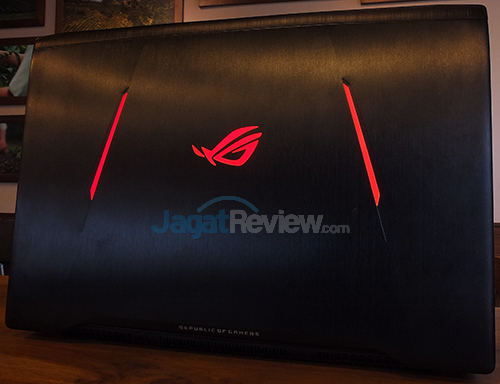 ASUS ROG STRIX GL702VM Screen - Back Side