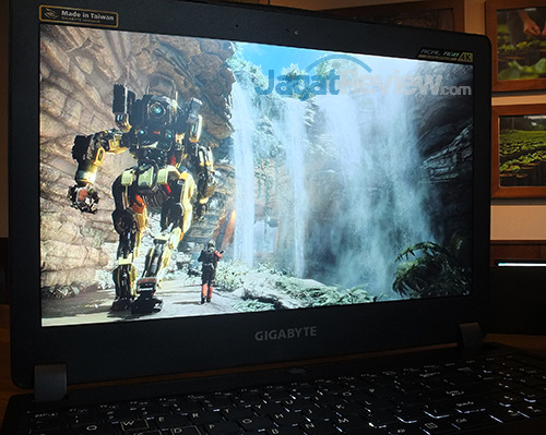 Gigabyte P35X v6 Screen