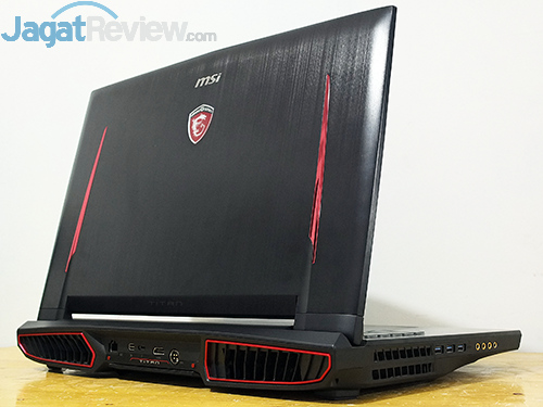 MSI GT73VR 6RE Titan Rear Side