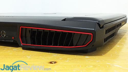 MSI GT73VR 6RE Titan Ventilation - Left