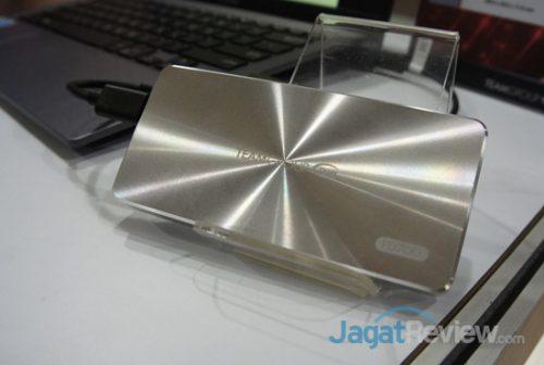 Team turut memamerkan SSD eksternal yaitu PD700 yang sudah diluncurkan sejak tahun lalu.
