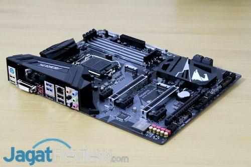 Gigabyte Z370 Aorus Ultra Gaming - 01