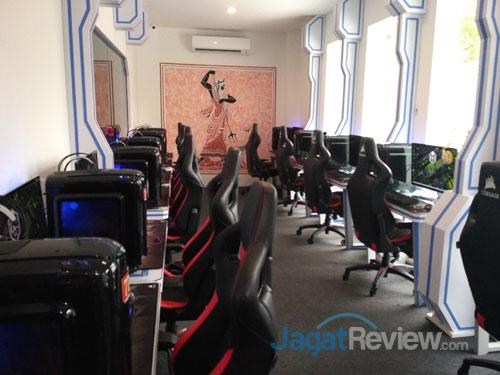 VIP room dilengkapi PC Gaming Intel Core i5 dan GeForce GTX 1060