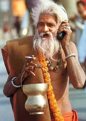 Man w mobilephone