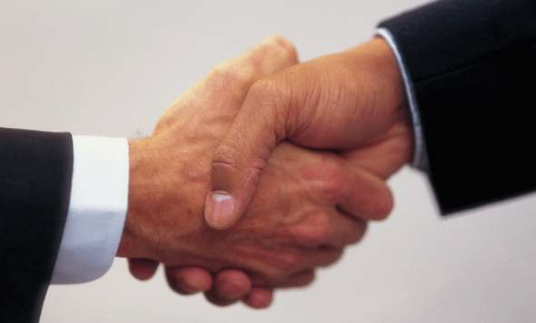 2012 10 05 hand shake 590