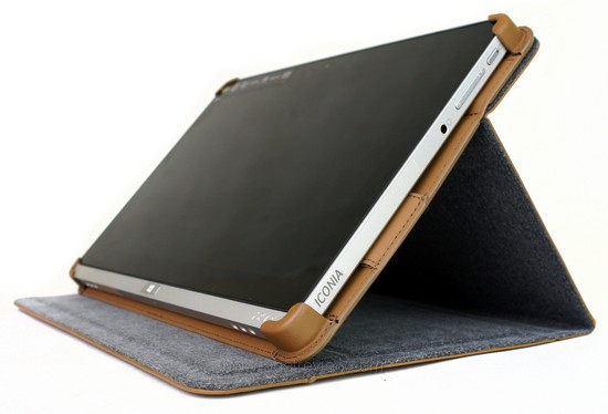Acer Iconia W700 8