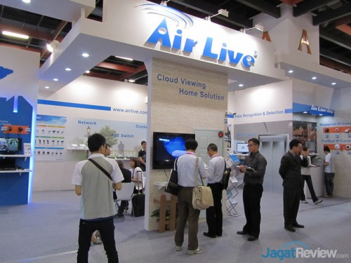 Booth AirLive