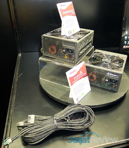 booth raid enermax digisilence 1500w & platimax