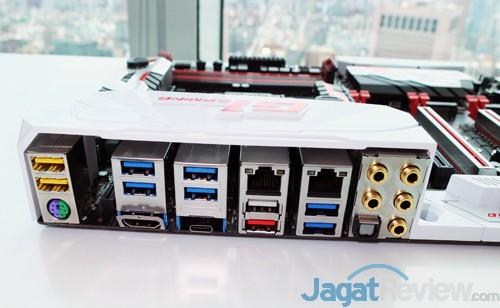 Computex 2015 Gigabyte Z170X Gaming G1 Backpanel IO