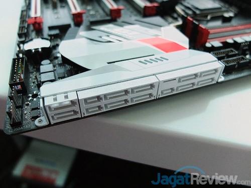 Computex 2015 Gigabyte Z170X Gaming G1 SATA Ports