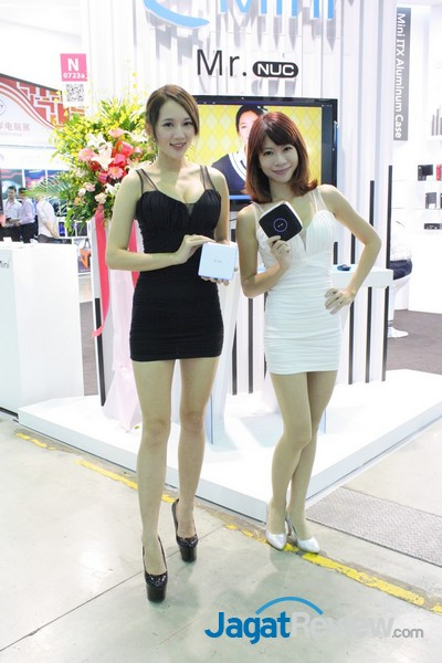 computex2015 boothbabes 5-2 008