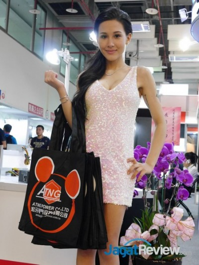 computex2015 boothbabes 5-2 013