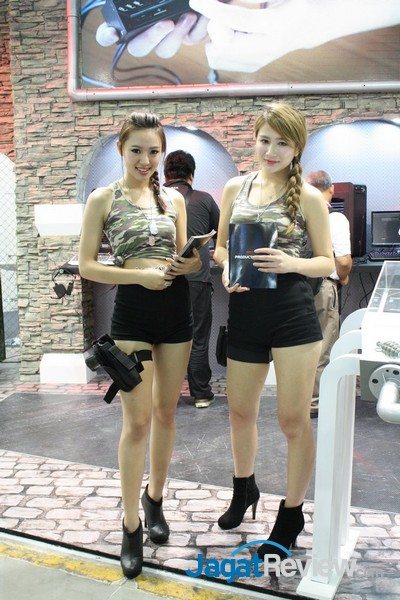 computex2015 boothbabes5-1 013