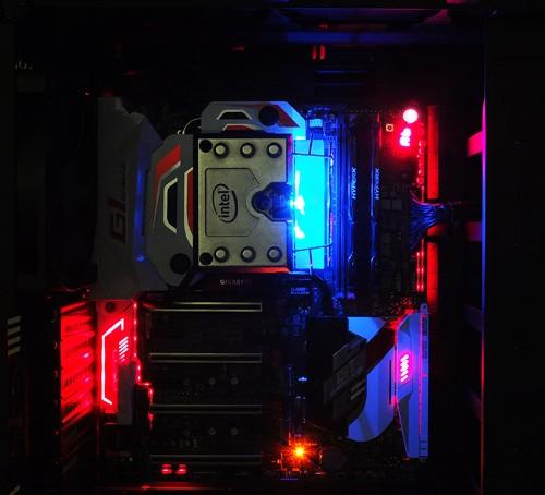 Gigabyte Z170X-Gaming G1 LED 01