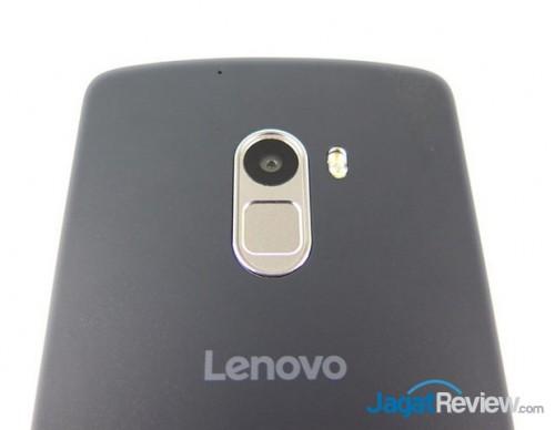 posisi Fingerprint, kamera dan LED flash