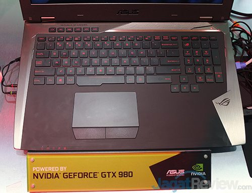 Computex 2016 - ASUS ROG G701 02