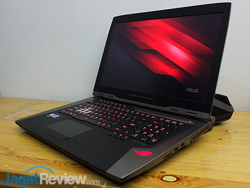 ASUS ROG GX800 Notebook with Docking 01
