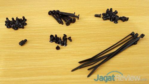 Corsair Carbide 275R 19