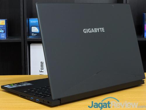 Gigabyte Aero 15X v8 Rear Side
