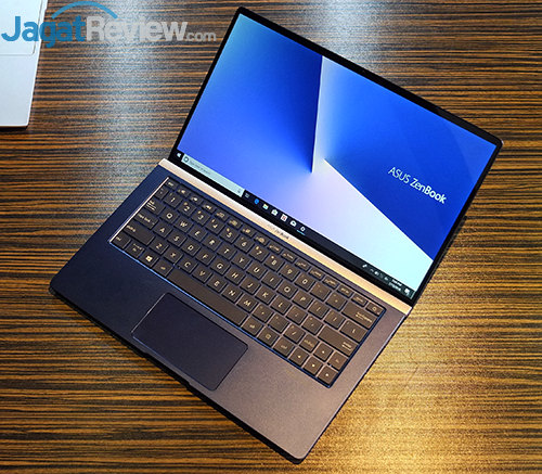 ASUS ZenBook 13 UX333FN 01