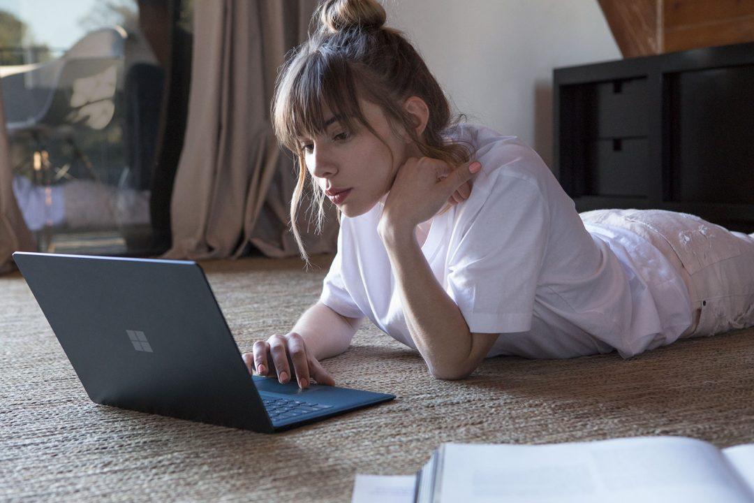 Microsoft Surface Laptop Pelajar