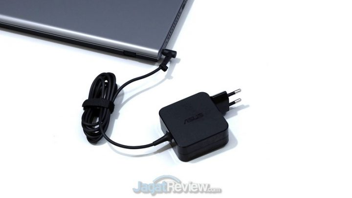 ASUS VivoBook 14 A409JP 18