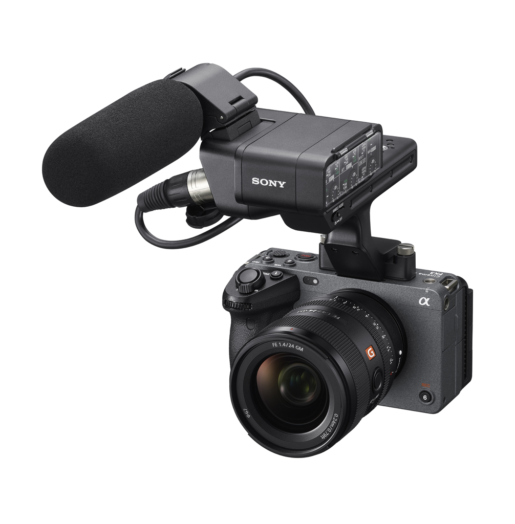 FOTO 4 Kamera Sony FX3 dengan Detachable Top Handle yang dilengkapi dua input audio XLRTRS