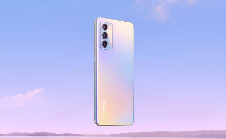realme GT Master Edition Daybreak Blue Lifestyle Angle